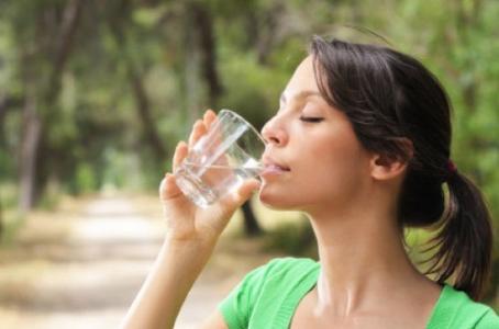 Bevi molta acqua